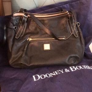 Black leather Dooney & Bourke shoulder purse